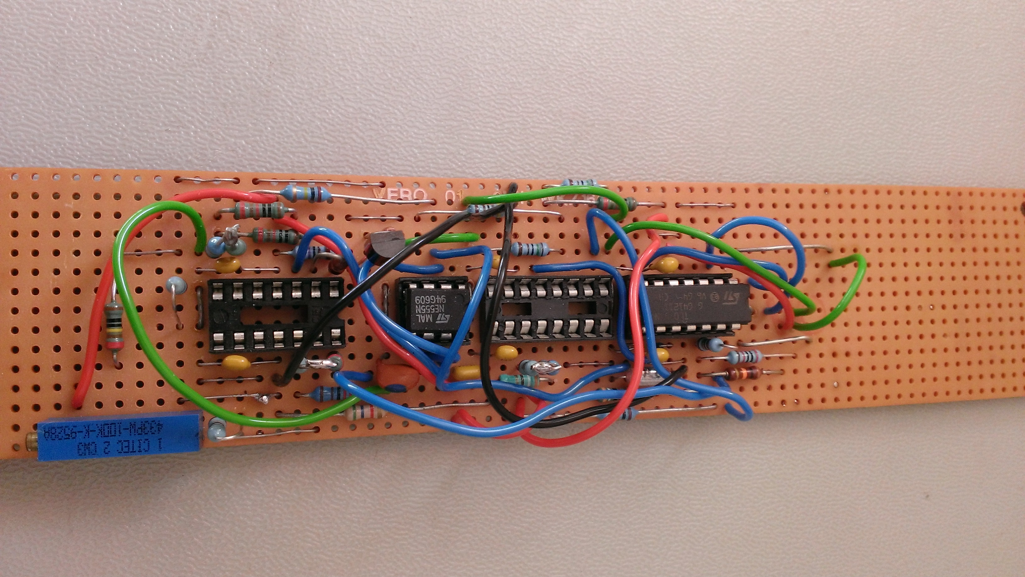 Voltage Controlled Oscillator Based On The Cmos 555 Timer Circuit Diagram Thomas Henry Vco Not Working