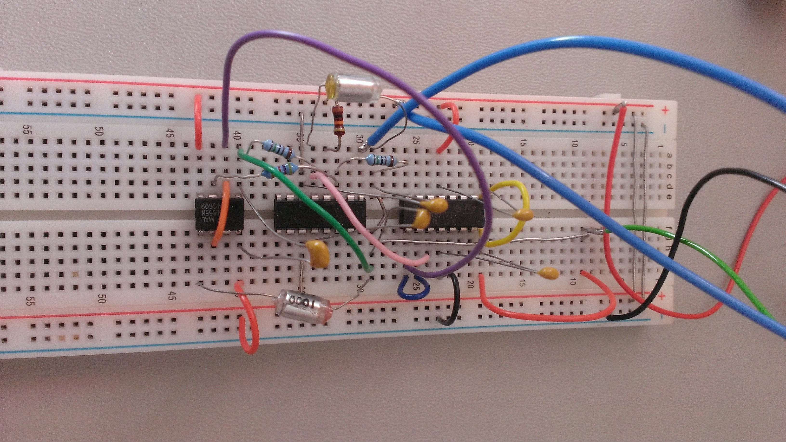 Voltage Controlled Oscillator Based On The Cmos 555 Timer Voltagecontrolled Thomas Henry Vco Basic Core Breadboard